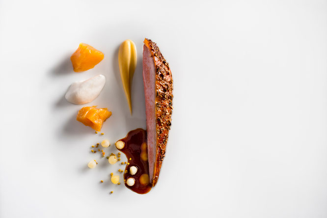 Honey Lavender Roasted Duck © Francesco Tonelli