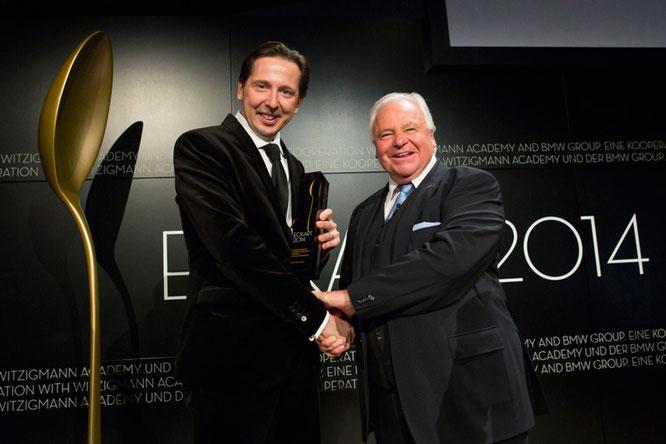 """Heinz Reitbauer mit Eckart Witzigmann bei der Verleihung des Eckart Witzigmann Preis für """"Große Koch-Kunst"""" 2014 ©BMW AG"""