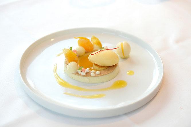 """""""Il Tardivo"""" Mandarine mit griechischem Joghurt und Mandarinen-Salbei -Sorbet ©Schanz Restaurant"""