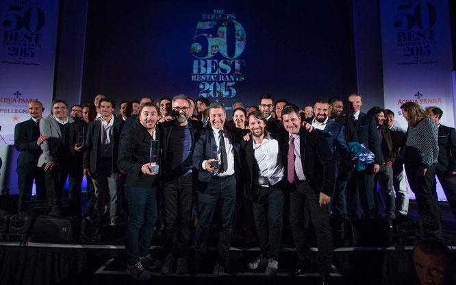 """S.Pellegrino und Acqua Panna präsentierten die """"World's 50 Best Restaurants 2015"""" in London.  Vordere Reihe von Links: Jodie Roca, Massimo Bottura, Joan Roca, René Redzepi, Josep Roca  ©S.Pellegrino"""