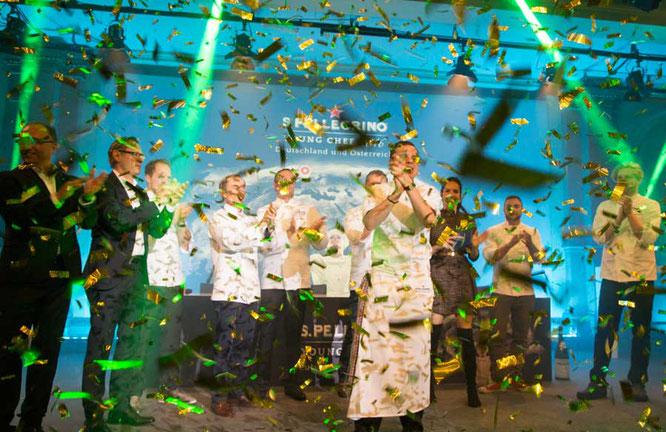 Jubel auf der Bühne - Matthias Walter gewinnt das Vorfinale S.Pellegrino Young Chef 2016 für die Region Deutschland und Österreich ©S.Pellegrino