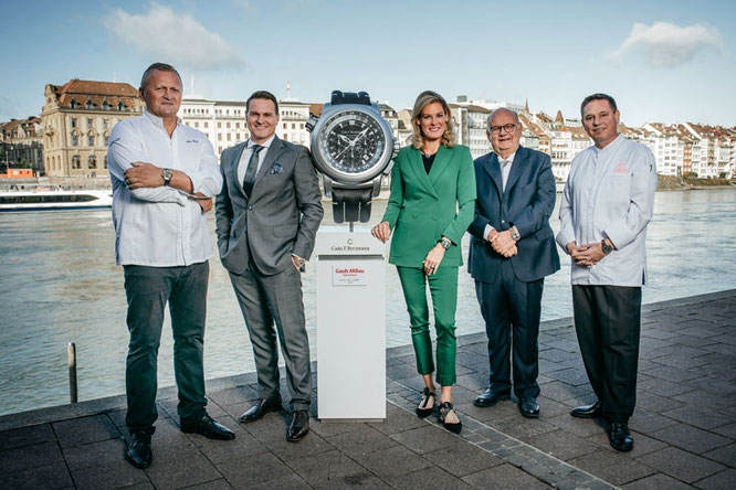 Das Grand Hotel Les Trois Rois wurde in Basel zum 'Hotel des Jahres 2020'  gekürt. Im Bild: Peter Knogl, Sascha Moeri, Tanja Wegmann, Urs Heller, Urs Gschwend. (PPR/Carl F. Bucherer/Remy Steiner)