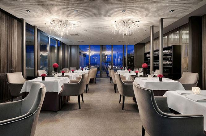 Gourmet Restaurant auf Burg Schwarzenstein -  Foto: Roman Knie