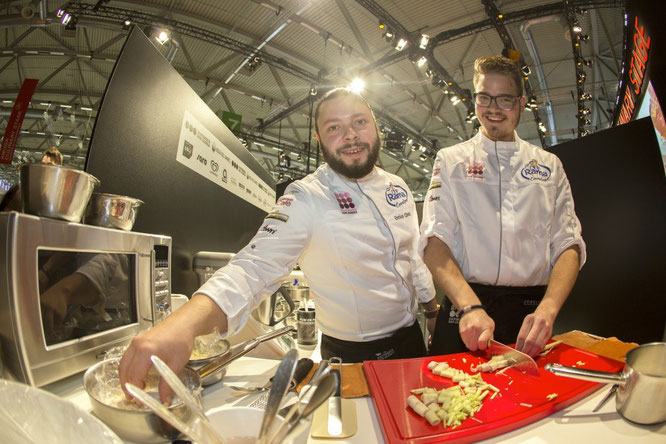 So sehen Sieger aus - Enrico Christ mit seinem Assistenten Josua Ellermann © PDJ/Melanie Bauer Photodesign