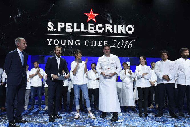 """Mitch Lienhard gewinnt das Finale des """"S.Pellegrino Young Chef 2016 """" in Mailand – Foto:  S.Pellegrino"""