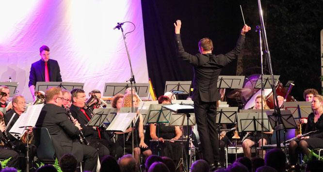 Bei der 49. Maibowle im Jahr 2019 stand das Saar-Wind-Orchestra das letzte Mal auf der großen Bühne.