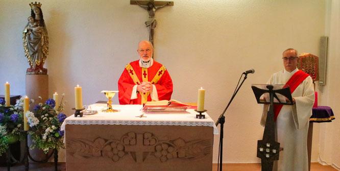 Die Pfarrer Ernst Spohn aus Kleinblittersdorf und Pfarrer Winfried Theobald aus Sulzbach hielten die Messe bei den Brüder.