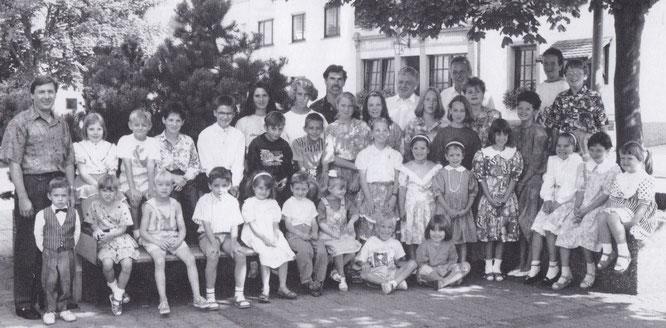 Der Auersmacher Kinderchor im Jahr 1991.