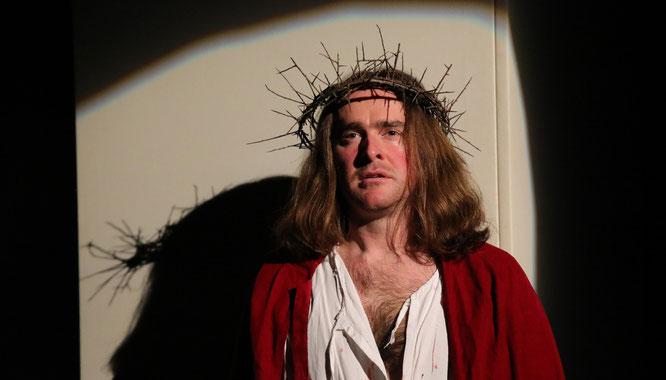 Alexander Lang spielt bei den Auersmacher Passionsspielen zum dritten Mal Jesus Christus und spricht von der Rolle seines Lebens.
