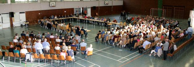 Die wohl größte Gemeinderatssitzung in der Geschichte der Gemeinde Kleinblittersdorf. Im Jahr 2016 wurde das bereits beschlossene Bordell doch noch einmal gekippt.