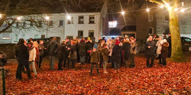 Normalerweise feiern in Auersmacher viele Menschen die Adventszeit zusammen. Das fällt wegen Corona in diesem Jahr aus.