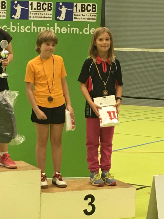 Malin bei der Siegerehrung U11. Foto: Katja Karmann