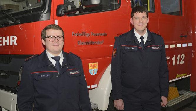 von links: Timo Dahlem, der neue stellvertretende Löschbezirksführer und Joshua Zins, der neue Löschbezirskführer von Sitterswald