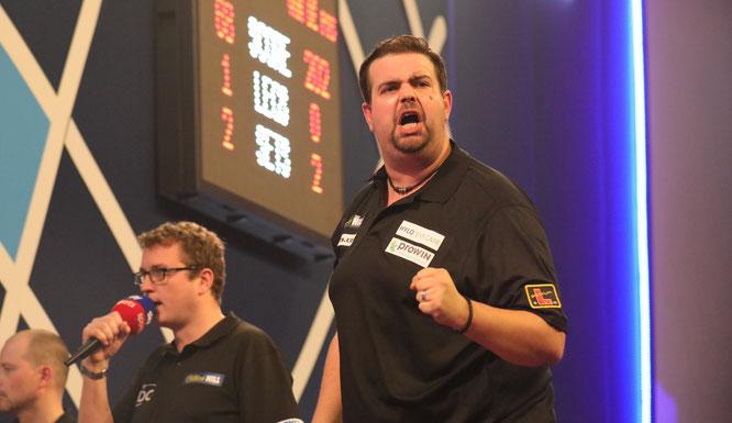 Gabriel Clemens ist der beste saarländische Darts-Spieler und zählt zu den besten 30 Spielern der Welt.