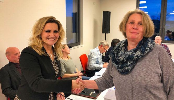 Kathrin Gross, die erste Beigeordnete von Kleinblittersdorf (links) und Sabine Hensgen.