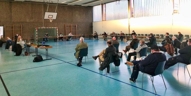 """Der Ortsrat Bliesransbach stimmte in der Mehrzweckhalle einstimmig für den Bebauungsplan """"Bürger-Solarpark""""."""