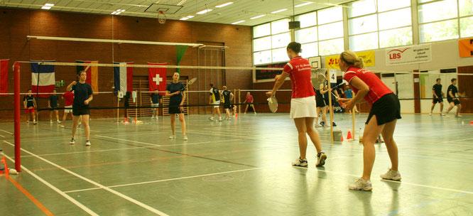 Symbolfoto. Badminton in der Spiel- und Sporthalle in Kleinblittersdorf.
