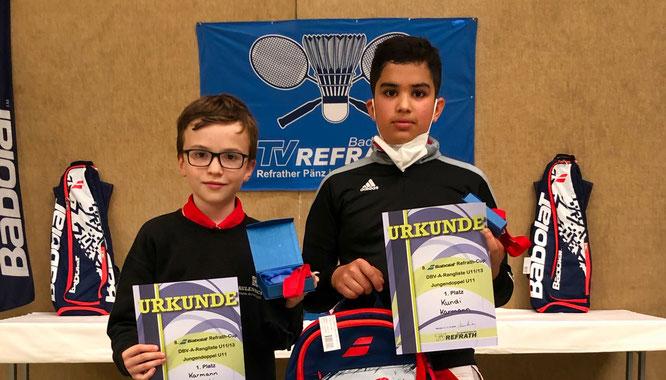 Fabian Karmann aus Kleinblittersdorf (links) hat mit seinem Doppelpartner Naman Kundi (TSV Neubiberg-Ottobrunn) das German-Masters-Badminton-Turnier der unter Elfjährigen gewonnen.
