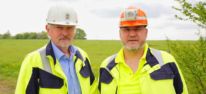 Von Links: Geschäftsführer Walter Pressmann und Betriebsleiter Markus Hewer