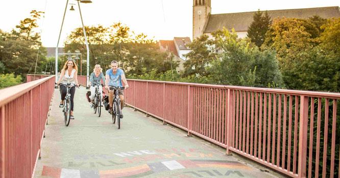 Die Freundschaftsbrücke verbindet Kleinblittersdorf und Grosbliederstroff, Foto: Timo Rende/Regionalverband Saarbrücken