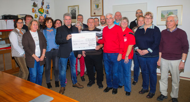 Bliesransbacher Vereine helfen sich gegenseitig. 5200 Euro gab es für den SC Blies und den Turn- und Sportverein, die vom Jahrhundert-Hochwasser besonders schlimm getroffen wurden.