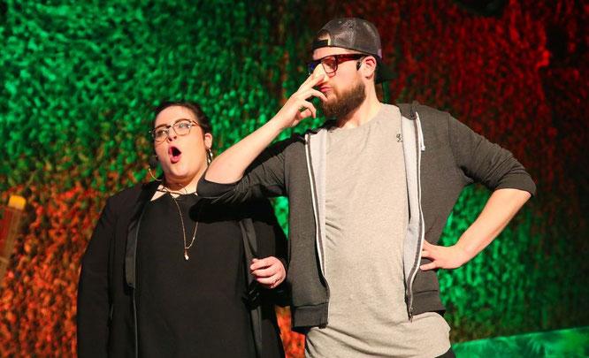 Sophia Nickles gemeinsam mit Florian Hitzelberger in der Bütt.