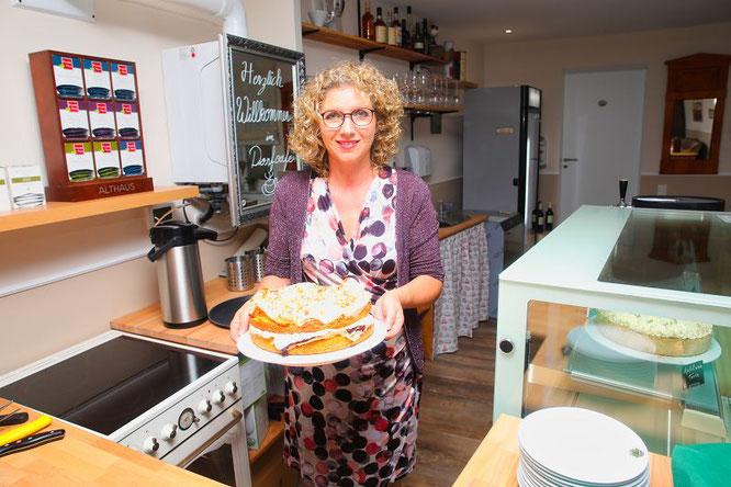 Gabi Forster backt jedes Wochenende bis zu 15 verschiedene, glutenfrei Kuchen.