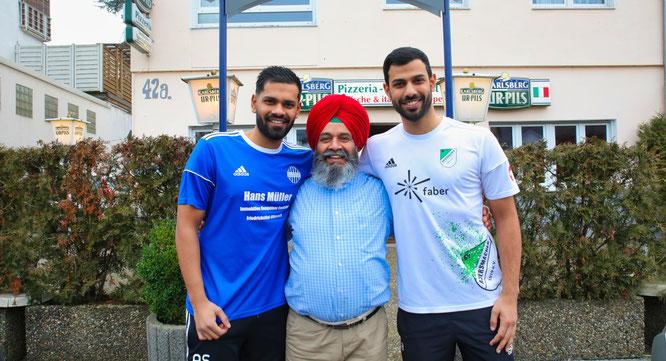 Zwei Brüder beim Masters. Arpan Singh (links) spielt für Hellas Bildstock und Sampras (rechts) für den SV Auersmacher. Wenn es ans Eingemachte geht, ist Papa Amarjit für Arpan.