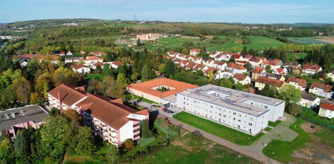 Luftaufnahme von einem Teil des Geländes der Barmherzigen Brüder in Rilchingen-Hanweiler.