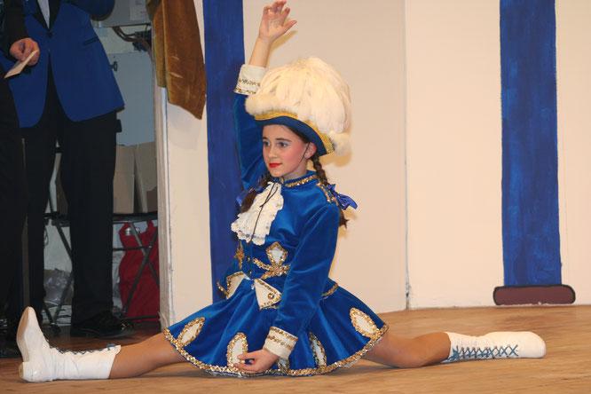 Im Jahr 2006 trat Selina Montana-Lampo im Alter von zwölf Jahren zum ersten mal als Funkenmariechen auf.