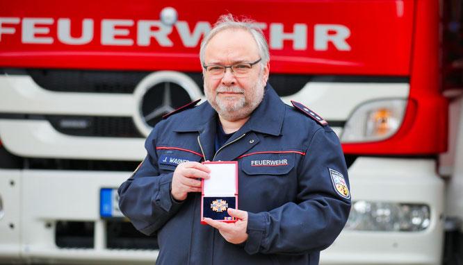 Jörg Wagner wurde  als erster Feuerwehrmann in der Gemeinde Kleinblittersdorf mit dem Deutschen Feuerwehr-Ehrenkreuz in Gold ausgezeichnet.