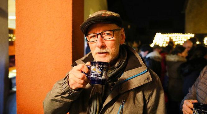 Der Vorsitzende des Förderkreis für Heimatmuseum und Dorfgeschichte, Manfred Paschwitz, führte vor elf Jahren den lebendigen Adventskalender in Auersmacher ein.
