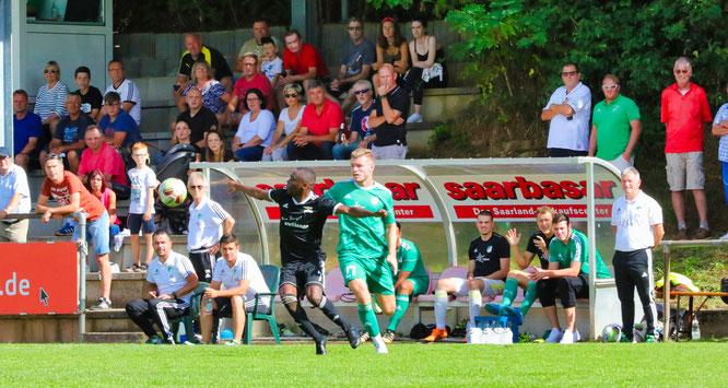 Nullnummer im Saarlandliga-Derby zwischen dem SV Auersmacher und dem SV Saar 05.