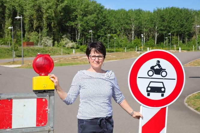 Wohnmobil-Parkbetreiberin Ariane Müller hofft, dass ihr Park so schnell es geht öffnen kann, da das Geld knapp wird.
