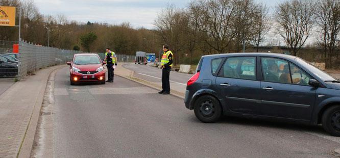 Die Polizei ist auch am Grenzübergang in Kleinblittersdorf.