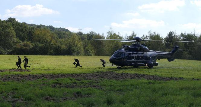 Ein Hubschrauber der Bundespolizei kreiste gestern über Kleinblittersdorf.
