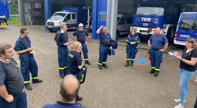 20 Helfer des THW haben sich auf den Weg in die Pfalz gemacht.