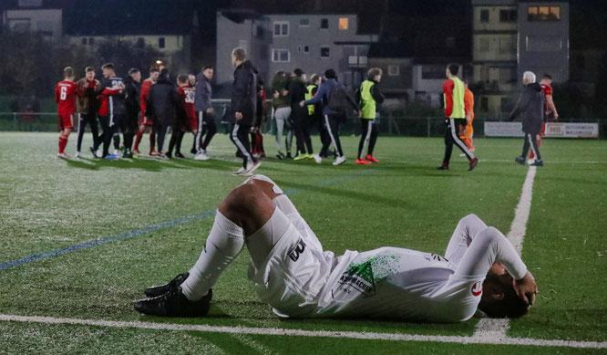 Auch wenn er lieber auf dem Feld als in der Halle spielt, bei der 3:4-Niederlage gegen den FV Bischmisheim hat es Sampras keinen Spaß gemacht.