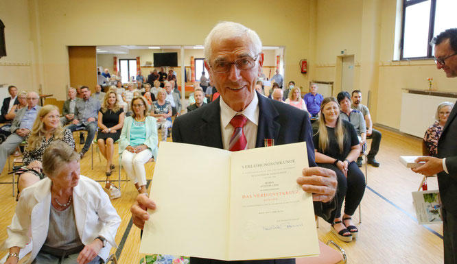 Der Bliesransbacher Günter Lang hat das Bundesverdienstkreuz erhalten.
