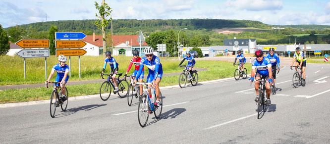 Das Team vom Radsportverein Edelweiß aus Bliesransbach fuhr zum Abschluss der Aktion am Sonntag 120 Kilometer (hin und zurück) zum Schaumberg nach Tholey.