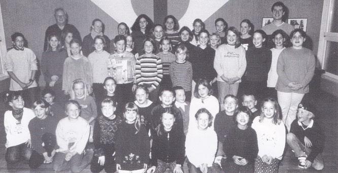 Der Auersmacher Kinderchor im Jahr 2001.