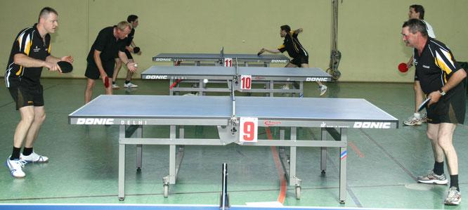 Archivfoto: Tischtennisspieler des TuS Bliesransbach.