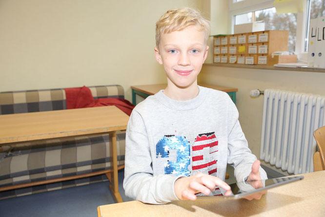 Julius Brandstetter freut sich schon auf den Unterricht mit den neuen Tablets.