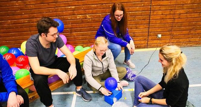 Luftballon-Aufblasen 2.0 bei den Rebläusen.