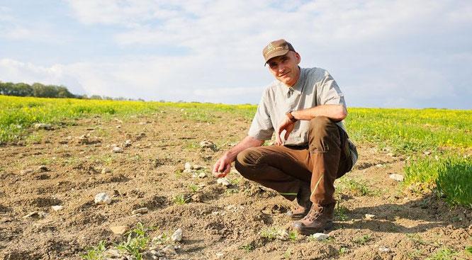 Von etwa 20 Hektar landwirtschaftlichen Flächen des Bliesransbachers Wolfgang Kessler spülte das Unwetter Anfang Juni den Mutterboden weg.
