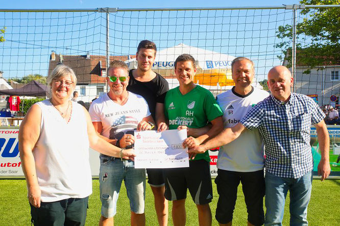 Der SV Auersmacher spendete dem SC Blies im Sommer die Einnahmen seiner Saisoneröffnung.