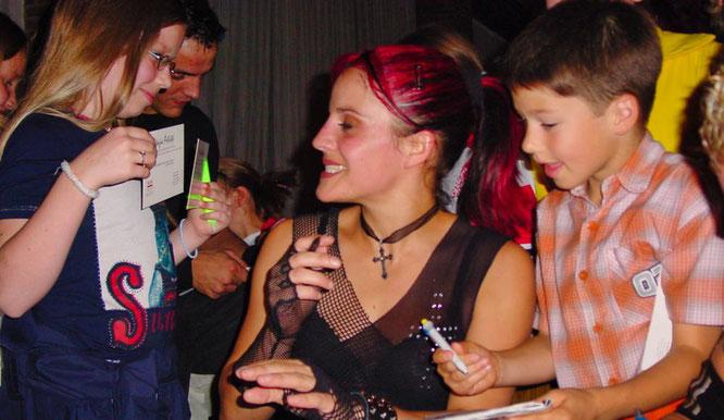 Autogrammkarten der Magic-Artists waren im Jarh 2004 sehr gefragt.