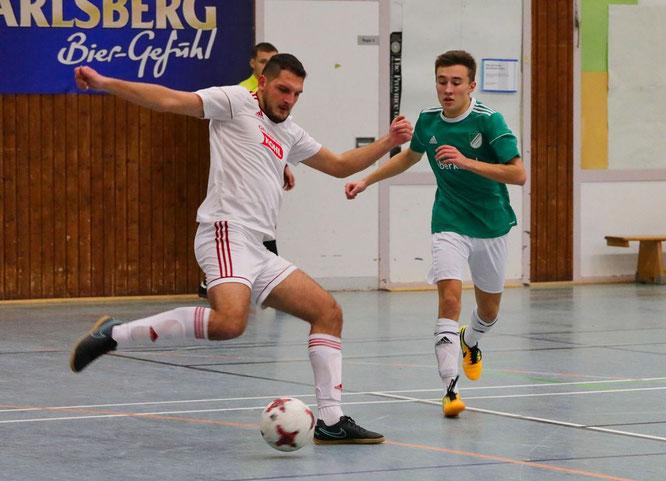 Der SV Auersmacher (grün) gewann in der Vorrunde gegen den SC Bliesransbach mit 5:0.