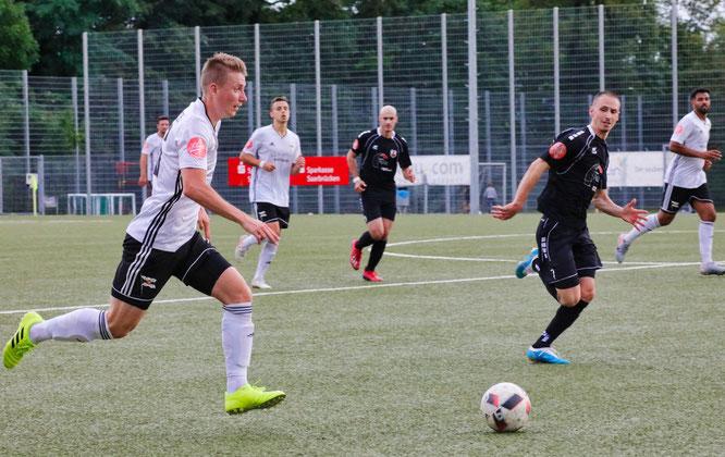 Jonas Philipp (links) trifft am Sonntag mit dem SV Saar 05 auf seinen Heimatverein SV Auersmacher.