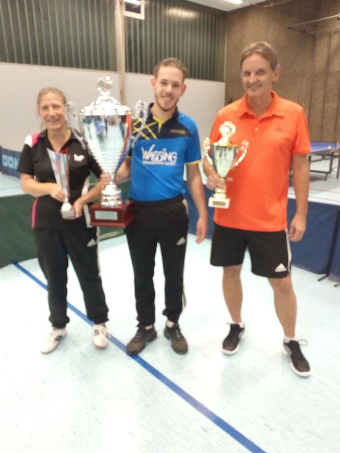 Die Vereinsmeister 2021 v.l.: : Babsi Heid             Lars  Fischer(A-Klasse)  Peter Wolf( B-Kl-)